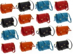 "Prada: tracolla e color block per la ""New Hunting Bag"""