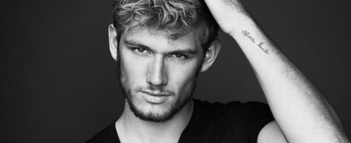 Alex Pettyfer. Sarà lui Christian Grey?